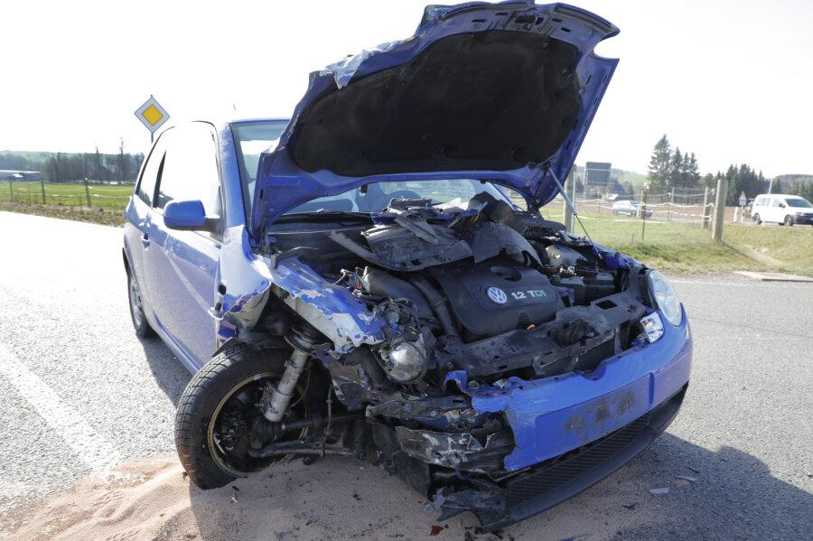 Person bei Unfall auf S 200 verletzt