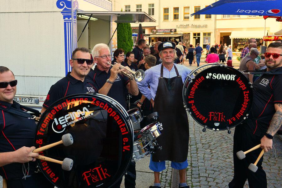 Altstadtfest: Mit Pauken und Trompeten ins Festwochenende