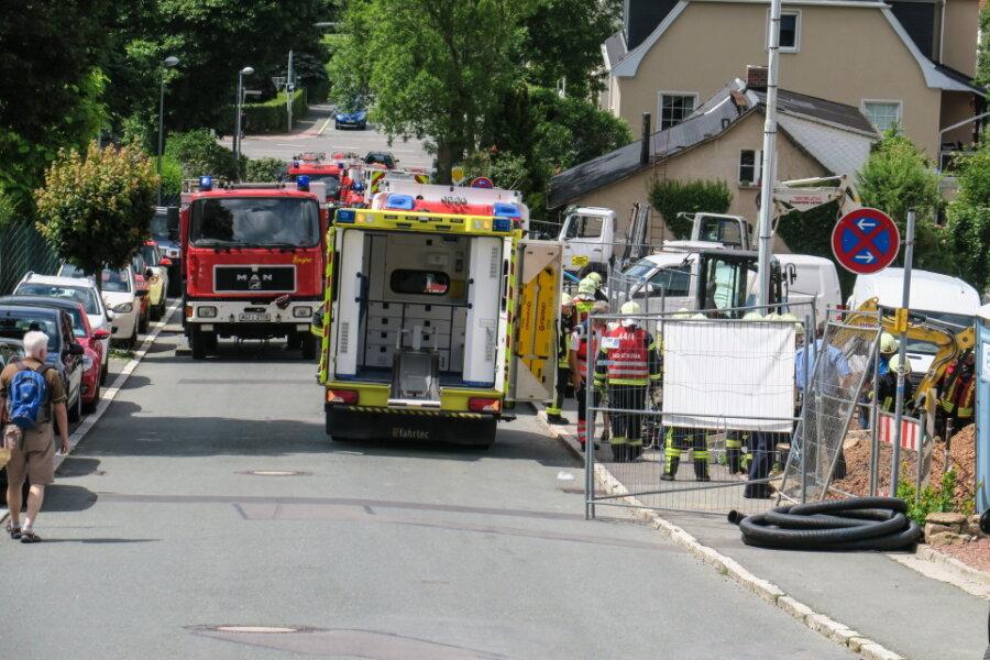 Auf einer Baustelle in Aue war am Freitag ein Arbeiter verschüttet worden. Er kam in ein Krankenhaus.