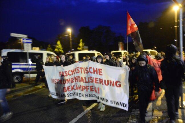 Die Kundgebung von Chemnitz Nazifrei endet am Hauptbahnhof.