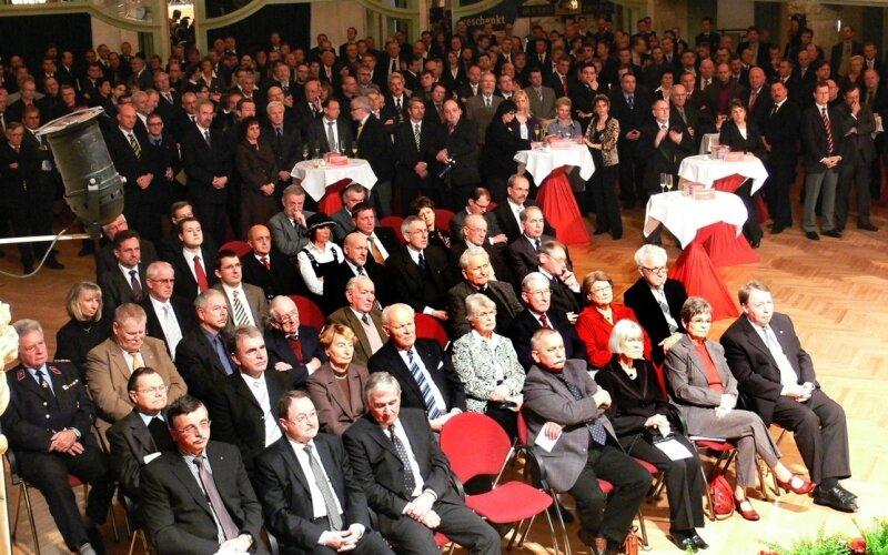 """Etwa 450 Gäste verfolgten im Konzert- und Ballhaus """"Neue Welt"""" die Neujahrsansprache."""