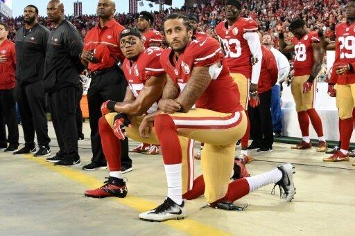 Colin Kaepernick kniete 2016 während der Nationalhymne