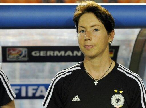 Die U20 um Trainerin Maren Meinert gewinnt zum Auftakt