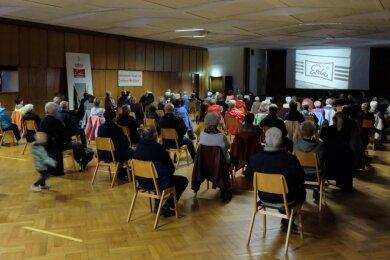 """Laut Bestuhlungsplan finden im Saal des """"Stiftes"""" bis zu 500 Besucher Platz. Zur Vorführung von Joachim Siegerts Esda-Film am Samstag waren aber nur 100 Personen zugelassen."""