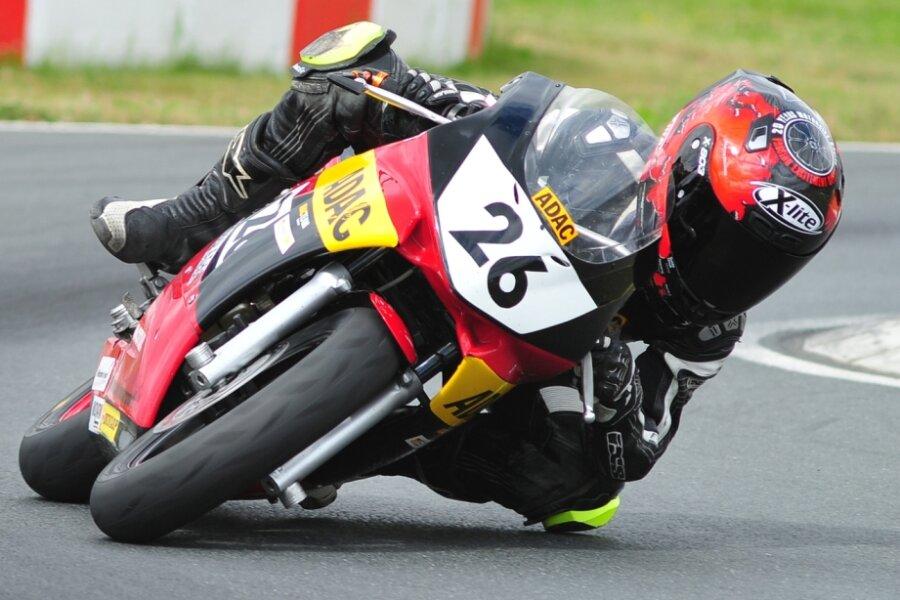 Plauener Ben Wiegner gewinnt den Minibike-Cup des ADAC