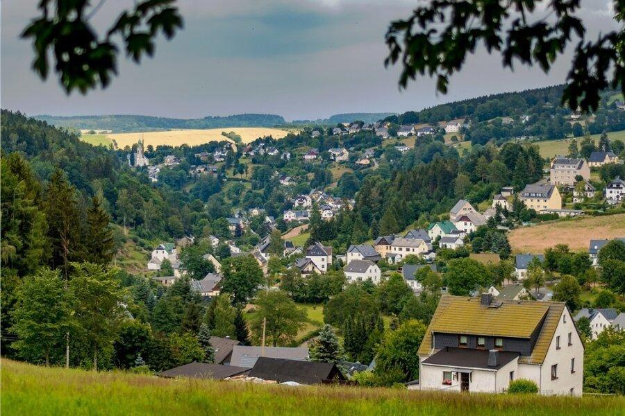 Vergeben und vergessen? Mehrere Missbrauchsfälle vor über zwanzig Jahren spalten Teile der Dorfgemeinschaft im erzgebirgischen Pobershau.
