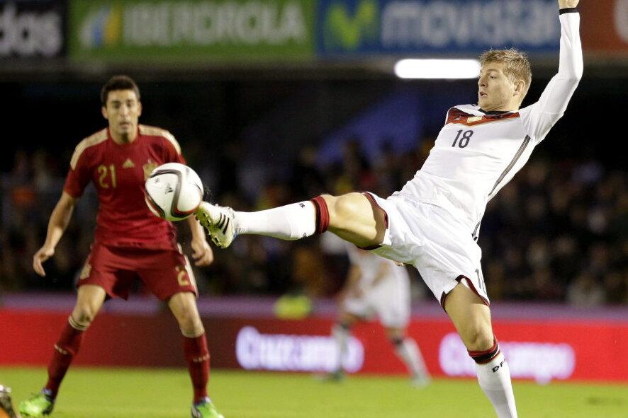 Kroos schießt DFB-Rumpfelf im Dauerregen von Vigo zum 1:0-Sieg