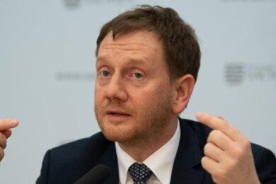 Ministerpräsident Michael Kretschmer (CDU) strebt eine Öffnung der sächsischen Kindergärten und Kindertagesstätten für alle Kinder ab dem 25. Mai an.