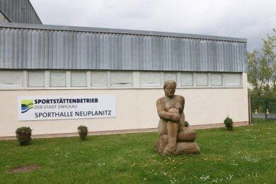 Die Ballsporthalle in Neuplanitz stammt aus den 1970er-Jahren und genügt schon lange nicht mehr heutigen Ansprüchen.