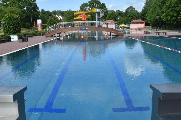 Das Freibad in Gablenz wird wie die Bäder in Wittgensdorf und Einsiedel ab Samstag öffnen. Der Stausee Rabenstein macht heute auf.