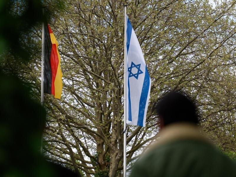 Nach den antisemitischen Vorfällen in Deutschland fordert der Bund Deutscher Kriminalbeamter Konsequenzen.