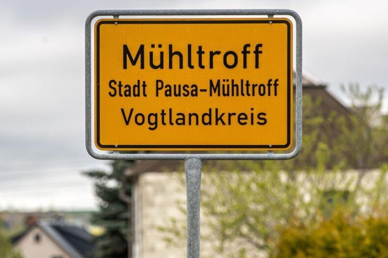 Die (bis zur Eingemeindung) kleinste Stadt des Vogtlandkreises ist über Pfingsten Schauplatz eines blutigen Dramas geworden, das einige Rätsel aufgibt.