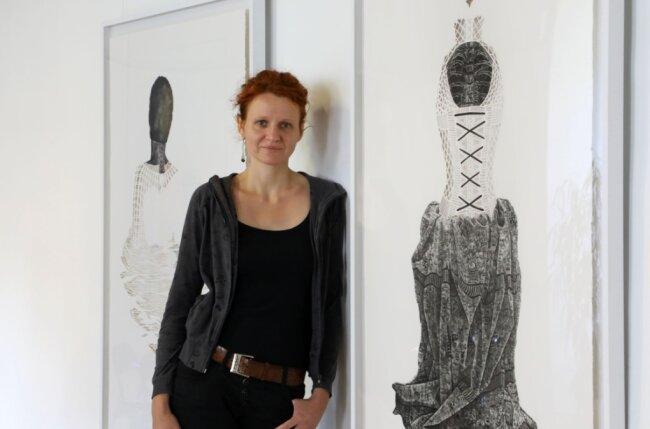 Die Dresdnerin Tina Wohlfarth hat sich der mühevollen wie auch reizvollen Mezzotinto-Technik verschrieben. Ihre aufwendigen Arbeiten stellt sie nun in Glauchau aus.
