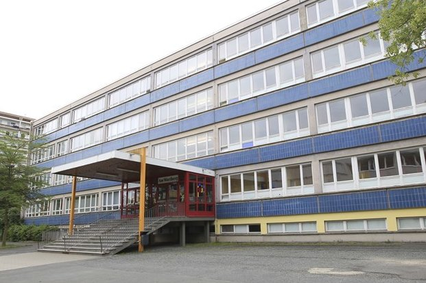 """An der Grundschule """"Am Wartberg"""" in Plauen wurde ein Junge positiv auf das Coronavirus getestet."""