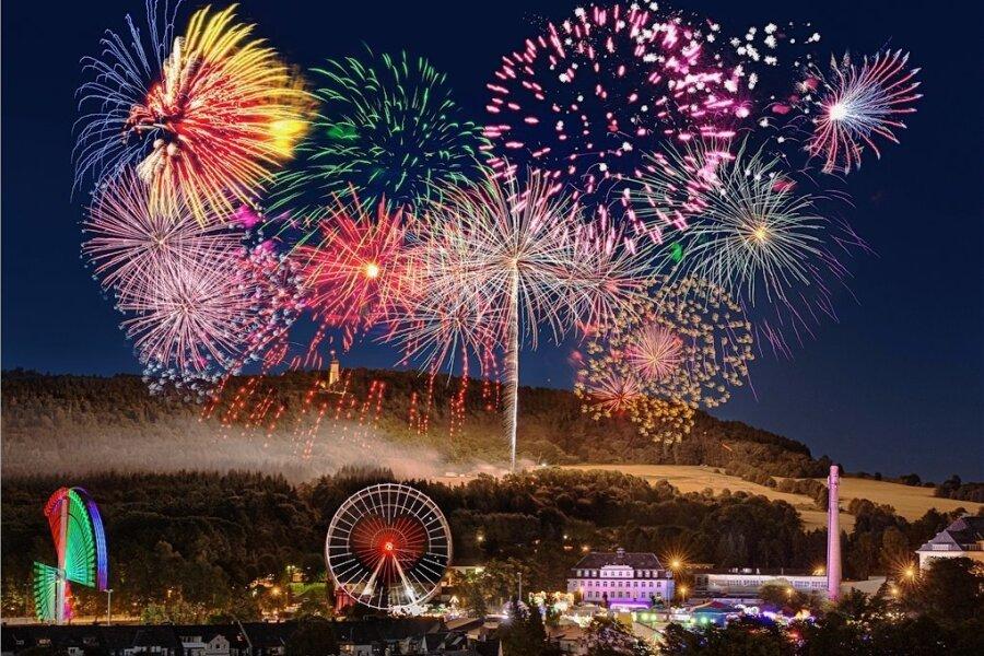 500 Jahre Kät: Dieses Jubiläum wird vom 12. bis 21. Juni 2020 in Annaberg-Buchholz gefeiert. Eine Riesen-Sause, auf die sich die Erzgebirger freuen können. Das gleiche gilt wenige Wochen später für den Tag der Sachsen in Aue-Bad Schlema. Vom 4. bis 6. September geht es dort rund. Etwa 250.000 Besucher werden nach Angaben der Veranstalter erwartet.