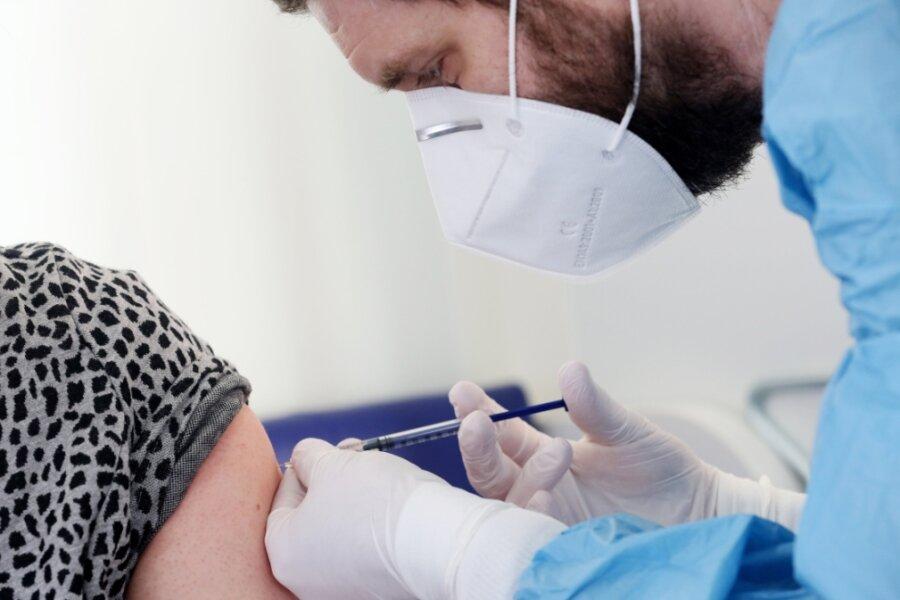 Wo sollen Schüler im Vogtland geimpft werden? Die Diskussion hat gerade erst begonnen.