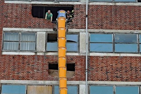 Bis spätestens Mitte Juli soll das Entkernen des Schocken-Kaufhauses beendet sein. Danach beginnt der eigentliche Umbau.