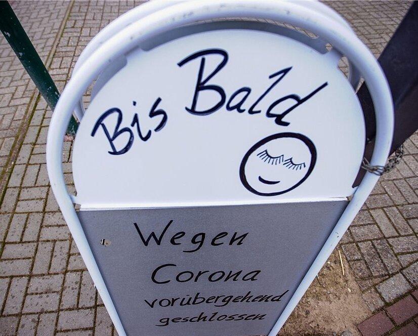 In einem Bürgerdialog will der Freiberger OberbürgermeisterSven Krüger(parteilos) angesichts der andauernden Corona-Pandemie Möglichkeiten für die Rückkehr zur Normalität ausloten.