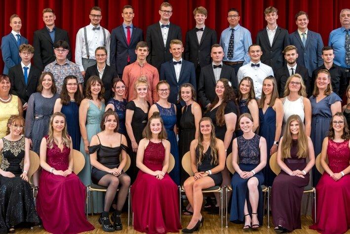 Abitur 2021: Zschopauer Gymnasiasten in festlicher Kleidung