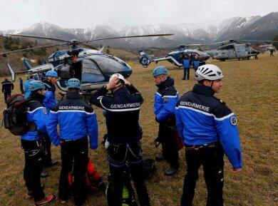 Die Bergung in einem schwer zugänglichen Berggebiet: Die Gendarmerie hat neun Helikopter in die Unglücksregion gebracht.