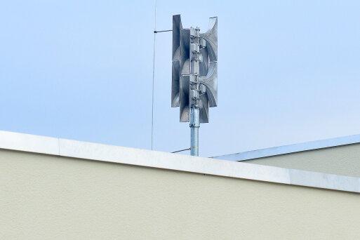 Neue Sirene auf dem Dach der Feuerwehr in Schlegel.