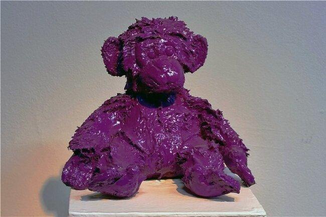 """Ein """"Lackaffe"""" von Silvio Zesch ist, was er ist und wie er heißt: ein lackierter Affe."""