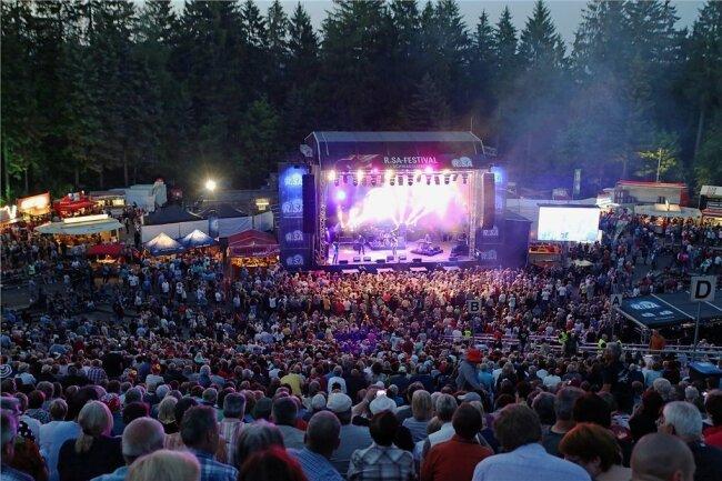 Im kommenden Jahr soll das R.SA-Festival mit AC/DC-Sound punkten.
