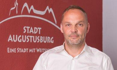 Augustusburgs Stadtchef Dirk Neubauer findet auf Facebook deutliche Worte für vermeintliche Querdenker.