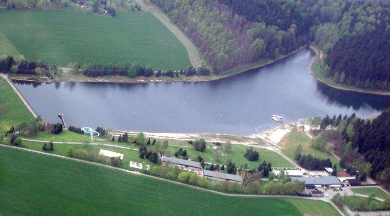Der Stausee Oberrabenstein gehört zu den klarsten Gewässern in Sachsen. Die derzeitige Sichttiefe beträgt 4,50 Meter - ein Spitzenwert.