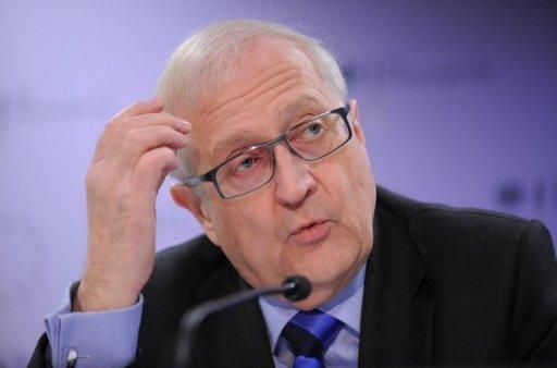 Eigentlich gilt Rainer Brüderle als politisches Schwergewicht der FDP im Bundeskabinett, doch mit seinen Äußerungen zum Atom-Moratorium hat der Wirtschaftsminister der Koalition einen echten Bärendienst erwiesen.