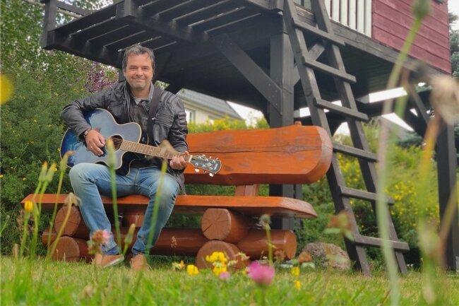 Der Randfichten-Gründer kehrt zu seinen musikalischen Wurzeln zurück