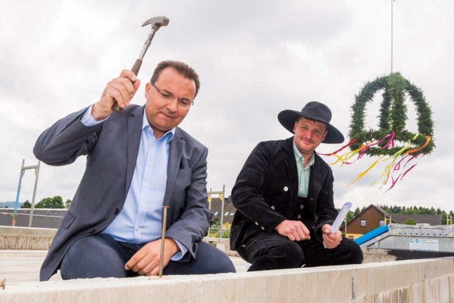 In Wernsdorf wird Richtfest für Kindertagesstätte gefeiert