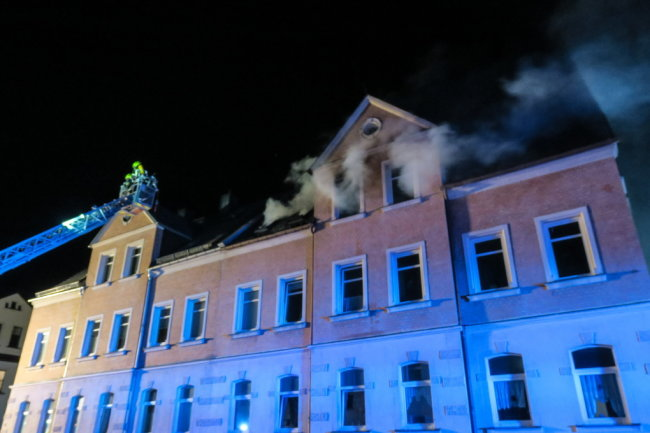 Drei Wohnungen sind durch ein Feuer in Lugau nicht mehr bewohnbar.