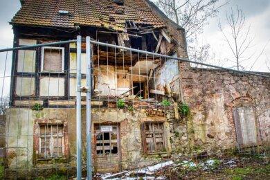 Dem Kunstwärterhaus in Lichtenwalde droht nun der Abriss. Das Landesamt für Denkmalschutz hat der Maßnahme Anfang des Jahres zugestimmt.