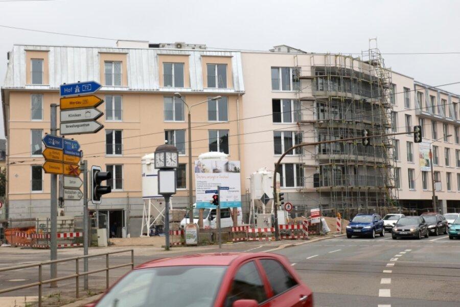 136 Personen können ihren Lebensabend einmal in der Seniorenresidenz am Zwickauer Georgenplatz verbringen. Bis zur Eröffnung dauert es aber noch. In diesem Jahr kann der Umzug ins neue Haus noch nicht erfolgen.