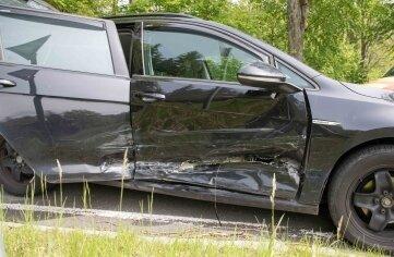Das Auto musste nach dem Unfall abgeschleppt werden.