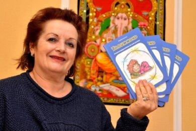 """Ein """"Traummond"""" für den Gleichklang der Seele. Yogalehrerin Angelika Hammer hat ihr erstes Buch veröffentlicht."""