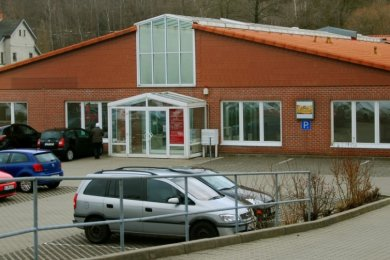 Die frühere Außenstelle des Vogtlandkreises an der Oelsnitzer Straße 44 in Adorf, bekannt als Zulassungsstelle, soll nach dem Willen von sechs Bürgermeistern aus dem oberen Vogtland Impfzentrum werden.