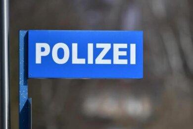 Eine Hebebühne und ein Pkw-Anhänger - diese Beute machten unbekannte Täter an der Dorotheenstraße in Zwickau.