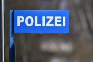Ein 15-jähriger Libanese ist am Samstagnachmittag in Annaberg-Buchholz von einem 38 Jahre alten Deutschen leicht verletzt worden.