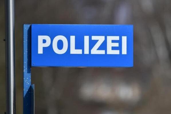 21-Jähriger von drei Unbekannten in Werdau niedergeschlagen