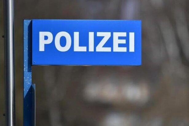 22-Jähriger ausgeraubt - Polizei sucht Zeugen
