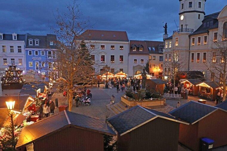 Der Weihnachtsmarkt in Crimmitschau hat bei einer Umfrage des MDR-Sachsenradios mit der Gesamtnote 1,9 abgeschnitten.