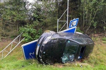 BMW rammt Schild - A72 zwei Stunden in Richtung Chemnitz gesperrt