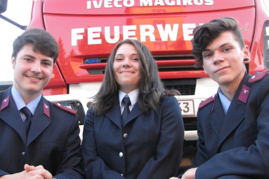Pascal Herbst, Lisa Aileen Liebelt und Moritz Liebelt (v. l.) haben den Sprung von der Jugendfeuerwehr in die Reihen der Aktiven geschafft.