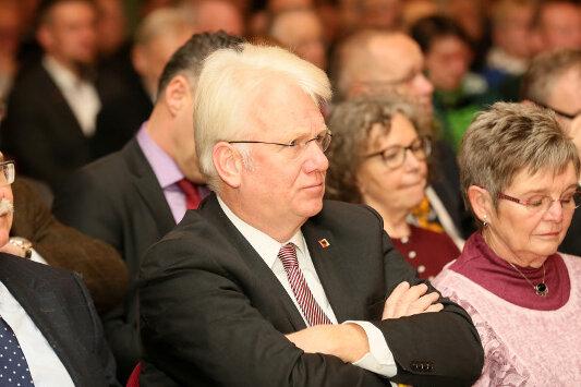 Ullrich Sierau (Mitte) will sich für den FSV Zwickau einsetzen.