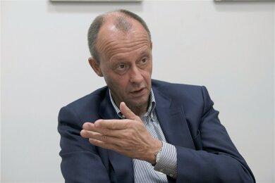 Friedrich Merz nimmt erneut Anlauf für den CDU-Vorsitz. Im Dezember soll ein Bundesparteitag in Stuttgart darüber entscheiden.