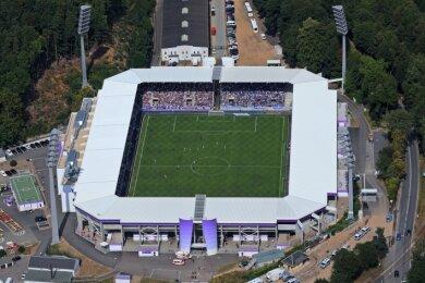 Zum ersten Heimspiel des FCE in der neuen Fußballsaison dürfen am 25. September wieder Zuschauer ins Auer Stadion.