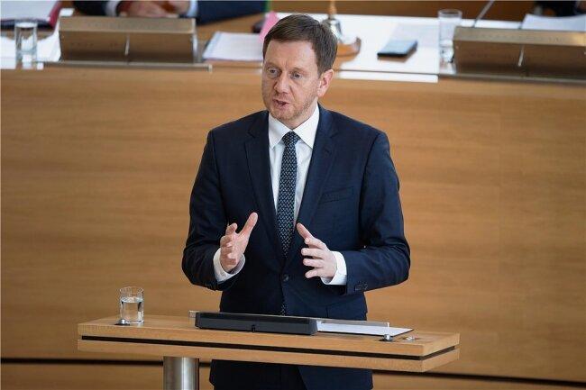 Regierungschef Michael Kretschmer (CDU) lobte die jahrelange solide Finanzpolitik in Sachsen, die nun Spielräume schaffe.