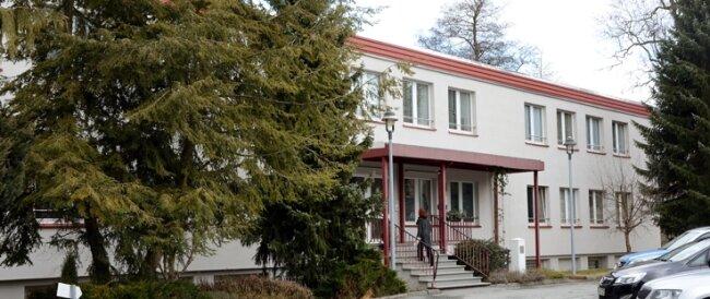 Dieses bislang als Lehrlingswohnheim genutzte Gebäude in Zschopau wurde zu einer Sammelunterkunft für Asylbewerber umgebaut.